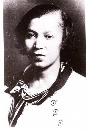 zora neale hurston essay How it feels to be colored me is an autobiographical essay written by zora neale hurston and published in the may 1928 issue of the world tomorrow it discusses issues such as racial identity and self-pride and how people of all races are essentially the same.