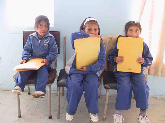 School children awaiting clinical testing (Ecuador)