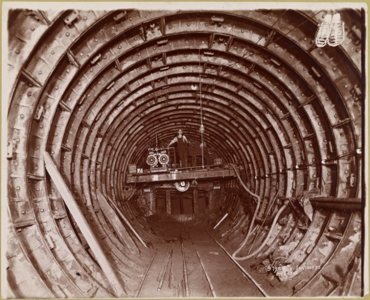 Subway construction, August 25, 1908. Courtesy of the New York Public Library.