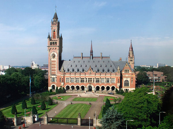 International Court of Justice; by Yeu Ninje at en.wikipedia. Public domain via Wikimedia Commons.