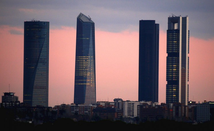 800px-Madrid_Cuatro_Torres_Business_Area-2