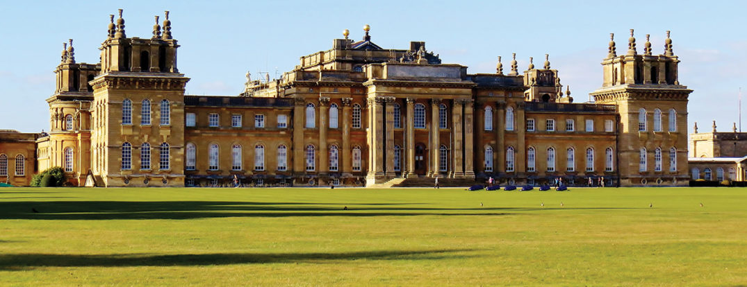Blenheim Palace. Photo by Darling Starlings Flying the Nest. CC BY 2.0 via Flickr.
